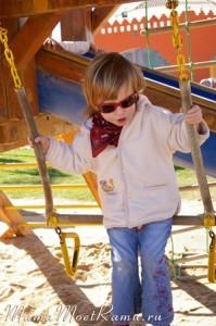 На детской площадке в Египте