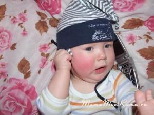 телефон -- любимая игрушка малыша