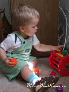 Сортер -- отличный тренажер для развития мышления и мелкой моторики