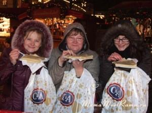 Немецкие угощения с рождественского базара после походов по магазинам. что может быть лучше?